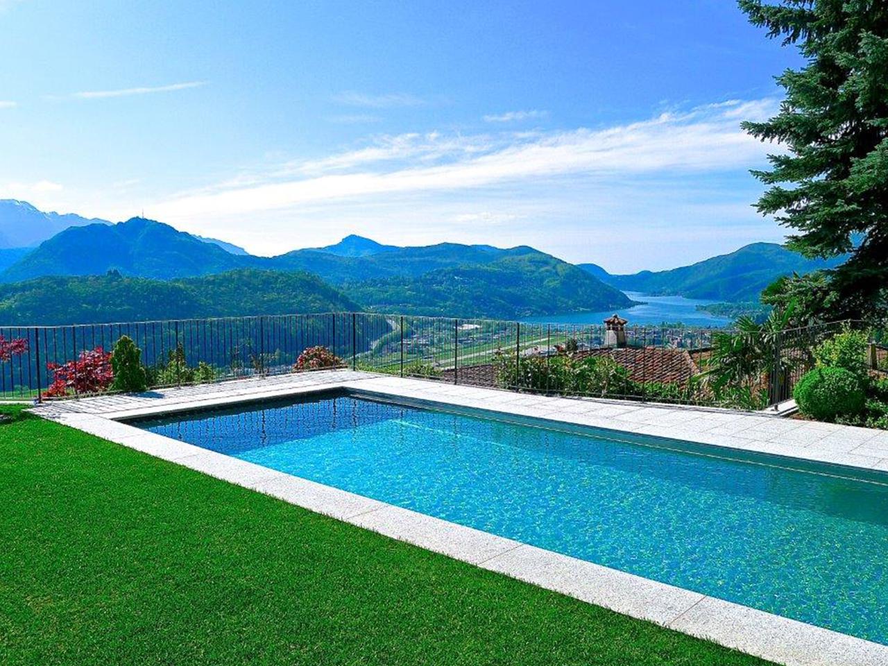 Villa con piscina vista lago a bosco luganese - Villa con piscina ...