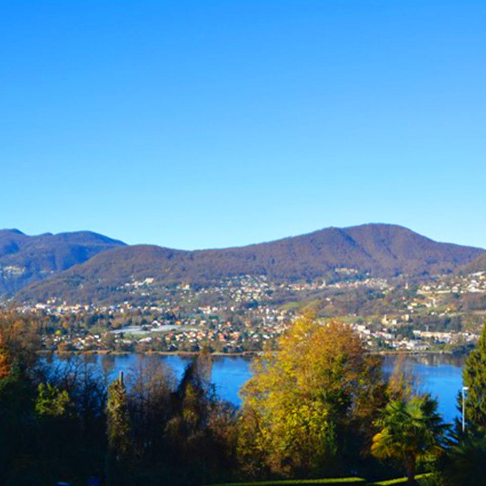 Splendido appartamento vista lago a montagnola for Lago vista