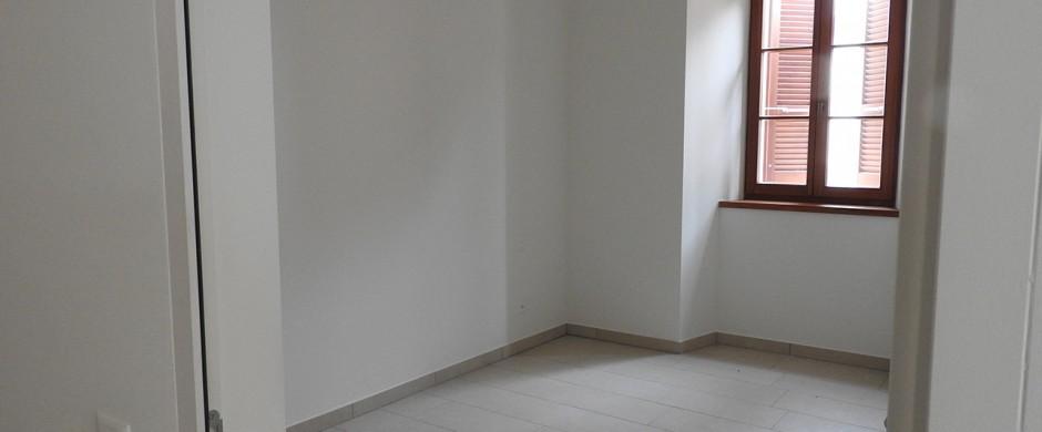 Splendido appartamento ristrutturato nel nucleo di Vico Morcote con vista lago – Rif. 346